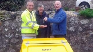David Gibbs (l) is Swansea's first snow warden, looking after Llangennith