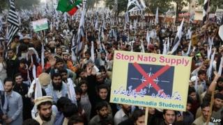 Pakistani activists rally, demanding to stop Nato shipments. Photo: 1 December 2013