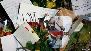 Tribute to Nelson Mandela outside the South African High Commission in London