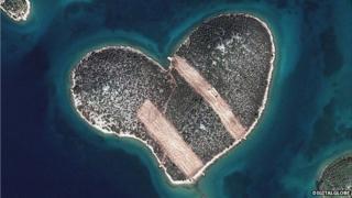 Island of love, Galesnjak