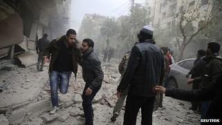 Air strike in Duma, Damascus (12 Dec 2013)