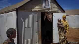 Solar-panelled shelter