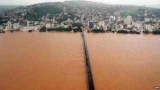 Doce River in Vitoria, Espirito Santo state, on 26 December, 2013