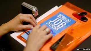 Job seekers attend career fair in Florida (7 November 2013)