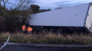 Lorry crash on M1 in Northamptonshire