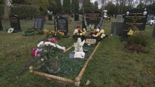A grave in Heathlands Cemetery