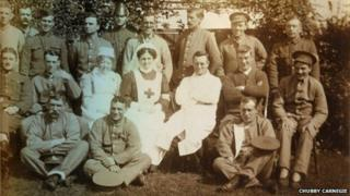 Charing VAD hospital, patients with Dr Littledale and nurses
