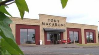 Tony Macaroni, Dunfermline