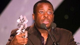 Ronny Jordan collects a Mobo award in 2000