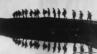 WW1 troops in silhouette