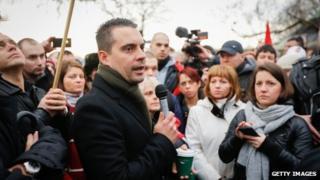 Gabor Vona speaks to a crowd in Hyde Park