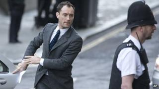 Jude Law arriving at the Old Bailey to give evidence as a witness