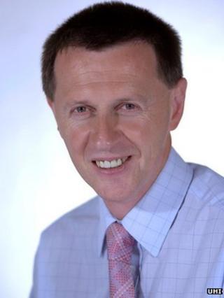 Prof Clive Mulholland