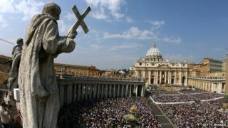 General view of Saint Peter's square at the Vatican on 8 April 2007.