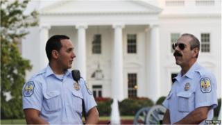 Police in front of the White House on 16 September 2013