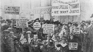 rent strike crowd