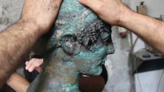 head of statue