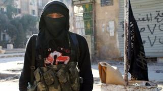 Nusra Front member in the Syrian city of Aleppo (11 January 2014)