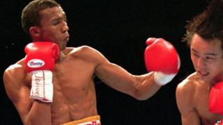 Antonio Cermeno fights Yuichi Kasai in Las Vegas (21 December 1996)