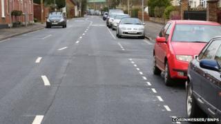 wonky white line in Dorset street