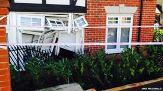 taxi into a flat in Loughton