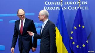 Ukrainian PM Arseniy Yatsenyuk with European Council President Herman Van Rompuy in Brussels on 6 March 2014