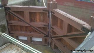 New head gates at Grafton Lock