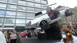 DeLorean float