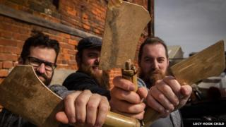 Dead Rat Orchestra with meat cleavers
