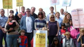 Save Warren Farm campaigners