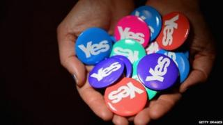 Yes Scotland badges