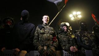 Ukraine: UN condemns Crimea vote as IMF and US back loans