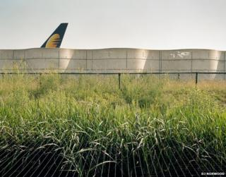 Heathrow's perimeter wall