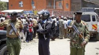 Security forces secure the area near where a suspicious device was found in the Eastleigh neighbourhood of Nairobi, Kenya, on 2 April 2014