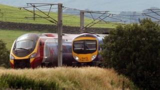 Trenau gogledd Cymru