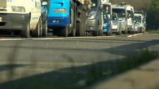 Traffic on M1 after lorry crash