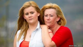 Jessica Bradford (left) and her mum Julie