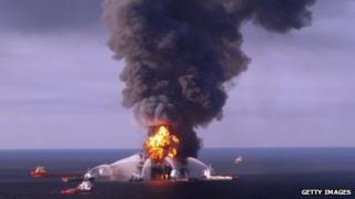 The Deepwater Horizon ablaze