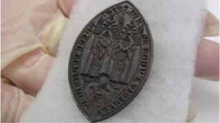 Bishop's seal