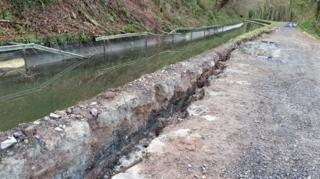 The crack in the canal embankment
