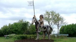 Horse sculpture in Tewkesbury