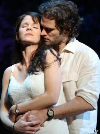 Kelli O'Hara and Steven Pasquale in Bridges of Madison County