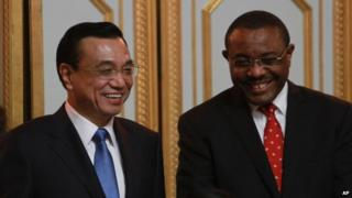 Premier Li Keqiang (left) met his Ethiopian counterpart Hailemariam Desalegn on Sunday
