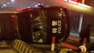Damaged police car in Yuhang