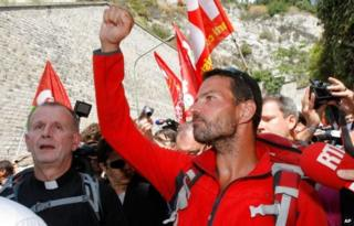 Jerome Kerviel arrives at the French Italian border (17 May)