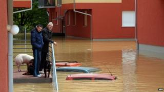 Bosnia and Serbia floods: Death toll rises