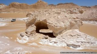 Boats Arch site, Wadi el Obeiyid, Farafra Oasis