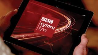 BBC Cymru Fyw ar dabled