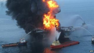 The Deepwater Horizon burns