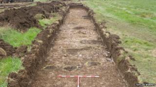 Archaeological digging at Ridgeway Farm near Swindon